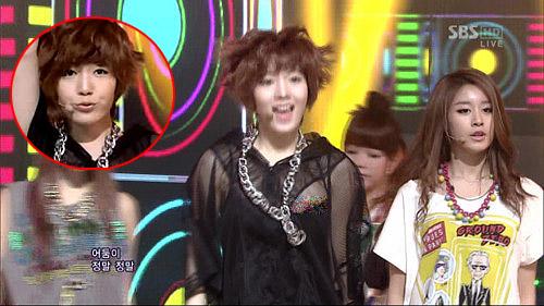 Thành viên T-ara bị lộ ngực khi đang biểu diễn
