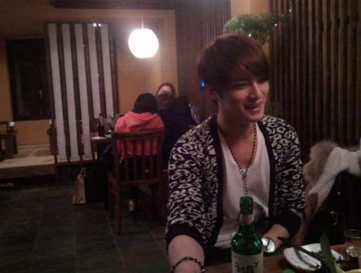 Fan gặp Jaejoong tại nhà hàng Bum's Story