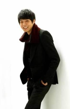 """Park Yoochun (JYJ),""""Người nổi tiếng mà bạn muốn dùng sô cô la để tỏ tình nhất"""""""