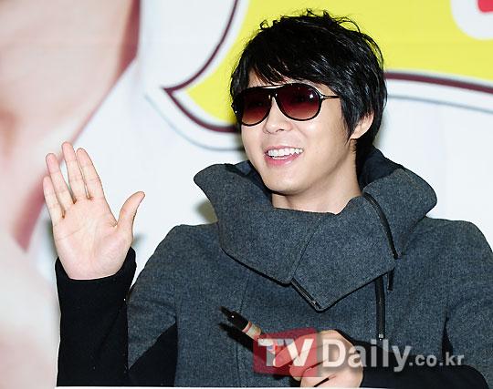 Park Yoochun xuất hiện tại trung tâm Chungmuro, 'Cuộc hội họp của các fan quốc tế'