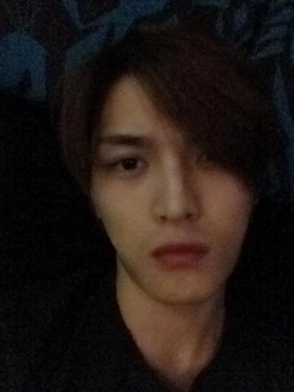 """Kim Jaejoong (JYJ ) khoe sống mũi cao và làn da sáng như ngọc mà """"đẹp hơn cả da con gái"""""""