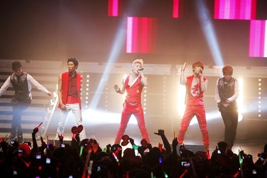 JYJ hoàn thành world tour và chuẩn bị cho album tiếng Anh thứ hai
